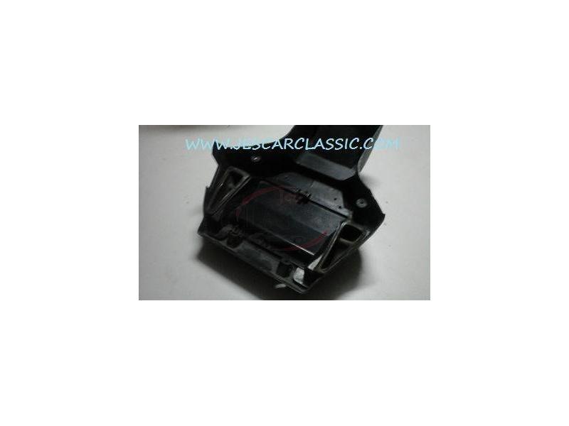 Peugeot 205 - Caixa de aquecimento e ventilação habitáculo