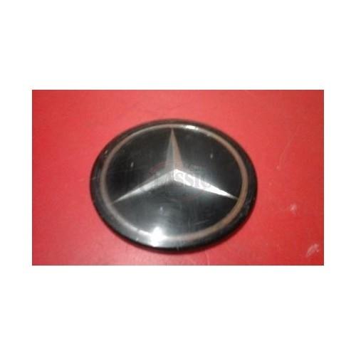 Mercedes-Benz W108 - Emblema do centro volante