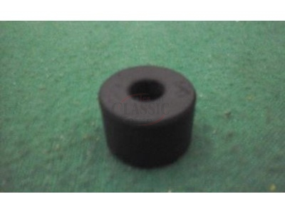 Nissan 100A / Nissan 120Y B210 / Nissan 1200 B110 - Casquilho do tirante barra estabilizadora