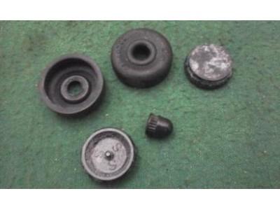 Toyota Hilux I LN40 Pick-up - Jogo de reparação cilindro travão roda (Ø 7/8)