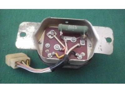 Nissan 1200 B110 / Nissan Bluebird 510 - Regulador de tensão